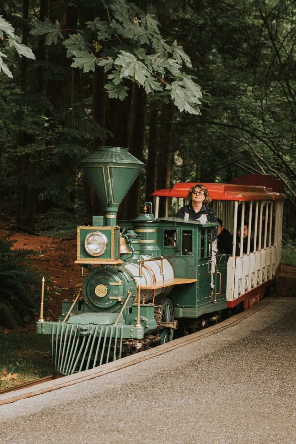 stanley-park-birthday-train-vancouver-bc