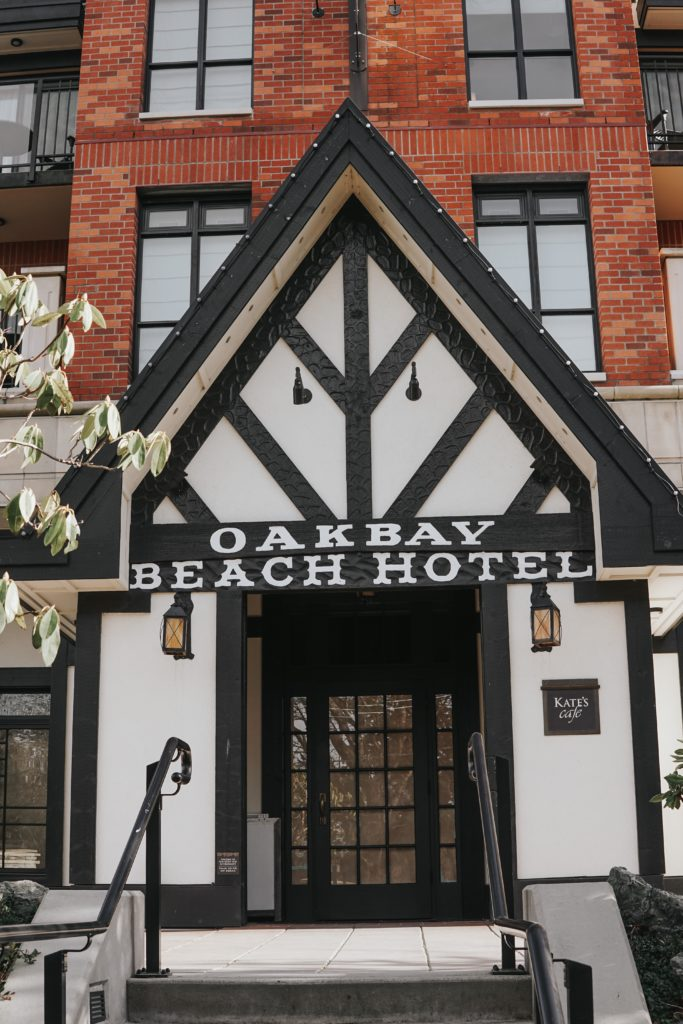 oak-bay-beach-hotel
