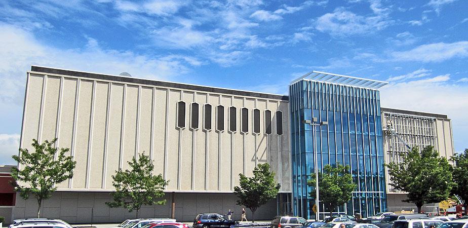 Retail redevelopment exterior, Paramus, New Jersey