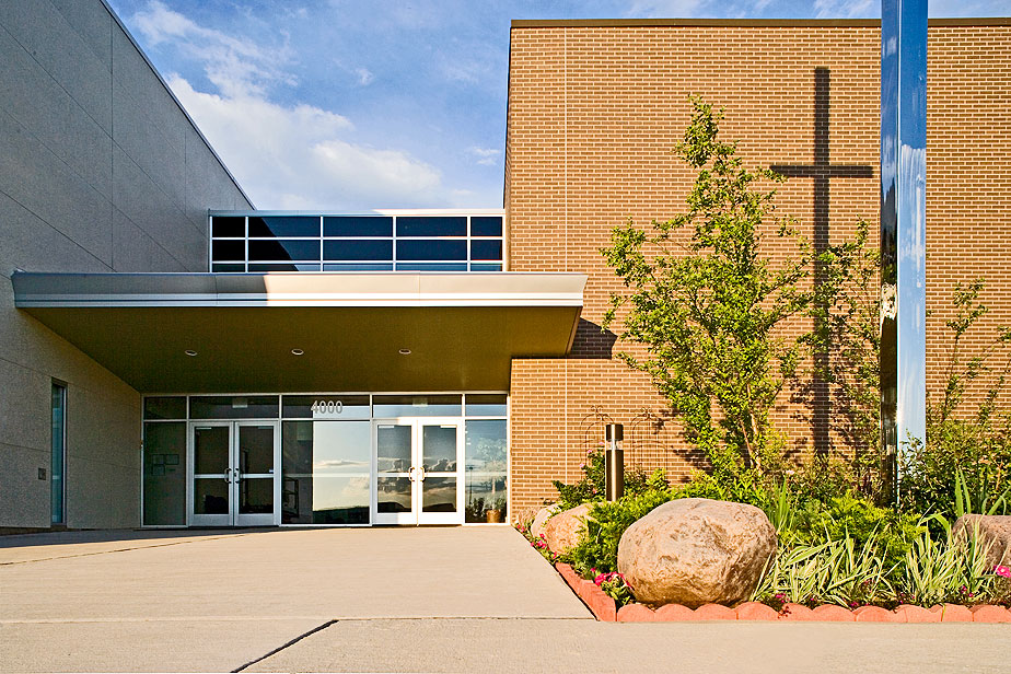New church building design, view of front entryway, Wheeling