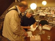 Signing Klimtol for a reader in Boekhandel De Zondvloed, Mechelen, Belgium