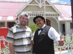 "With Johnny Theunissen, the ""mayor"" of Matjiesfontein, which features in In stede van die liefde."