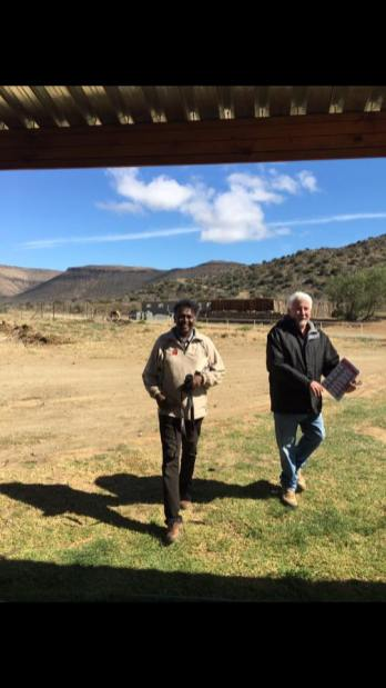 Darryl David and Dirkie Visser, owner of the Buffelshoek Dirosie Lodge (Photo: Amy Coetzer)