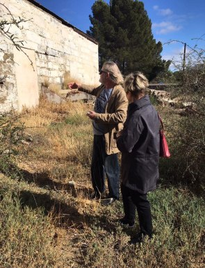 Architect and heritage expert Raymond Smith explains the architecture of Charlie's shed to Kaia van Heerden.