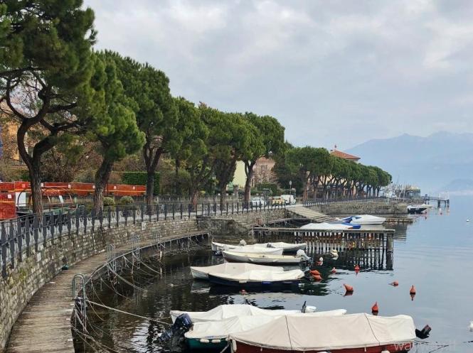 Italija. Pavasarinis Komo ežeras. Como