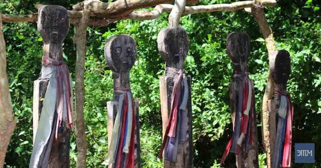 проклятых африканских статуй