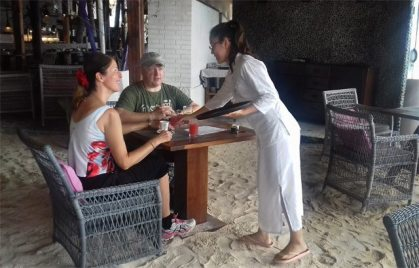 Chinese students learn about tourism in paradise