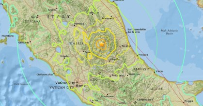 Second stronger earthquake strikes Italy