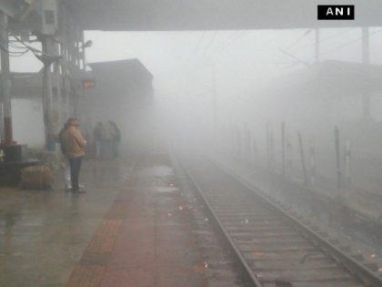Massive train delays in India due to fog