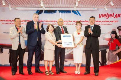 Vietjet receives IATA Membership Certificate
