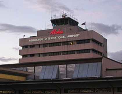 Man dies after breaking through Honolulu Airport security