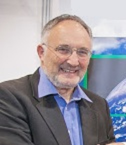 """Put Climate Resilience, Green Growth and """"Impact Travel"""" in curricula, ICTP President Lipman urges deans"""
