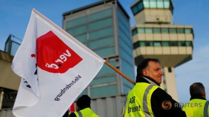 Berlin airport strike continues