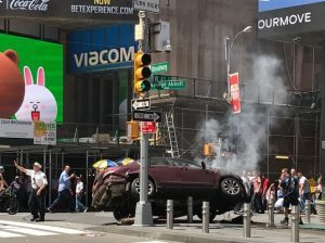 1 killed, 13 injured as car plows into NYC Time Square sidewalk crowd