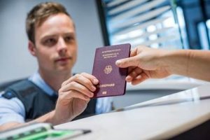 Passport forgotten or expired? The Federal Police at Frankfurt Airport are there to help
