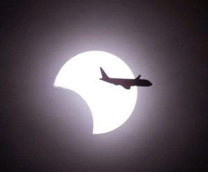 "Alaska Airlines to chase ""The Great American Eclipse"""