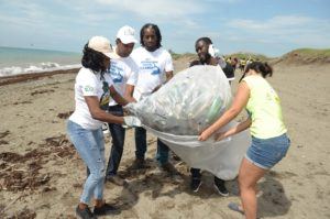 Jamaica Tourism supports International Coastal Cleanup 2017