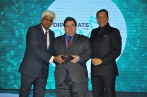 Kiran Yadav, VP, IIPT India & Vinay Malhotra, COO, VFS Global South Asia & Middle East felicitate Hans D Castellano Ambassador of the Dominican Republic