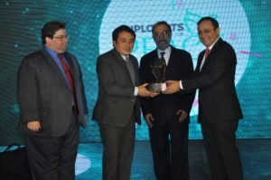 Zubin Karkaria, CEO, VFS Global & Ajay Prakash, President, IIPT India felicitate the Kingdom of Bhutan