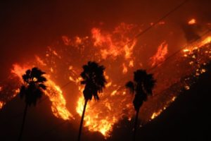 Wildfire blazing its way through Ventura, California