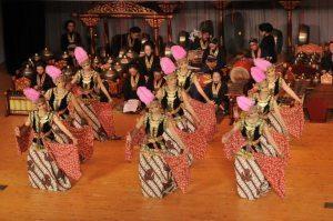 Royal Palace of Yogyakarta court dances open Louvre Abu Dhabi's first season