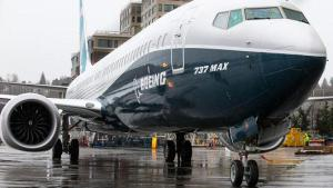 Boeing sets airplane delivery record in 2017
