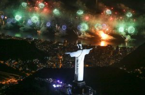 New Year in Rio De Janeiro: 2.4 million happy tourists and locals had a the greatest 'Réveillon' of all times