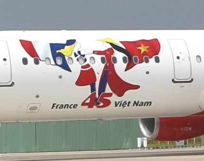 Vietjet marks anniversary of diplomatic ties between Vietnam and France with special logo