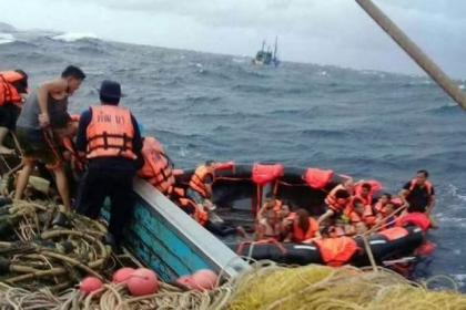 49 Chinese tourists missing in Phuket tour boat disaster