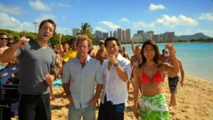 How many tourists rate their trip to Hawaii as excellent?