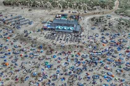 England heatwave driving 10,000 visitors to a Cornwall beach in one day