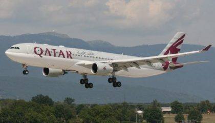 Why did Qatar Airways Flight 968 drop from radar and go on an erratic path?