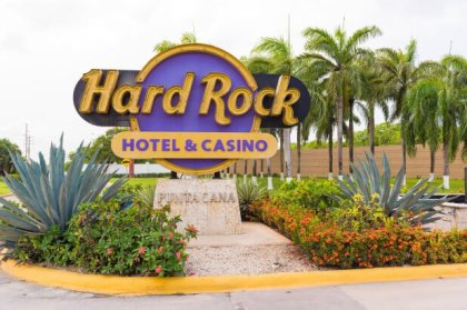 Is this Hard Rock Hotel Restaurant slowly poisoning guests?
