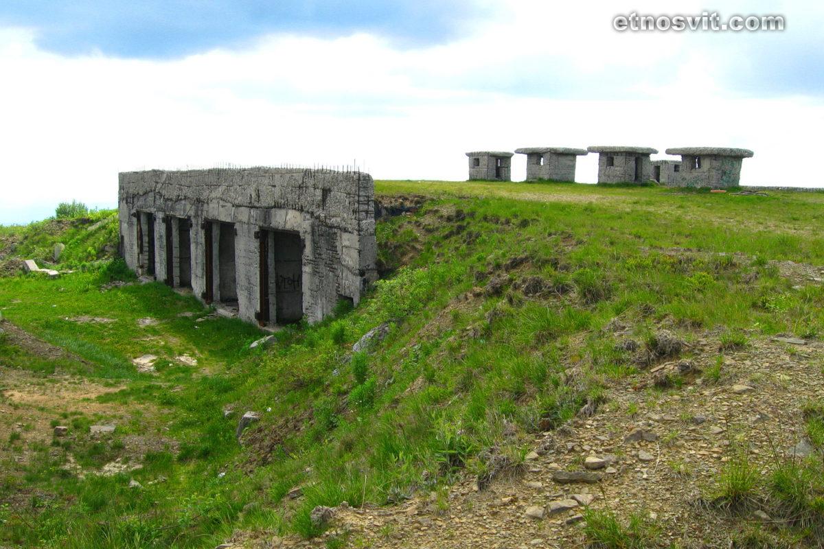 Полонина Руна - військові бункери