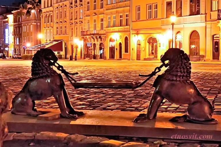 МИСТИЧЕСКИЙ ЛЬВОВ   вечерняя экскурсия по Львову / выходные во Львове