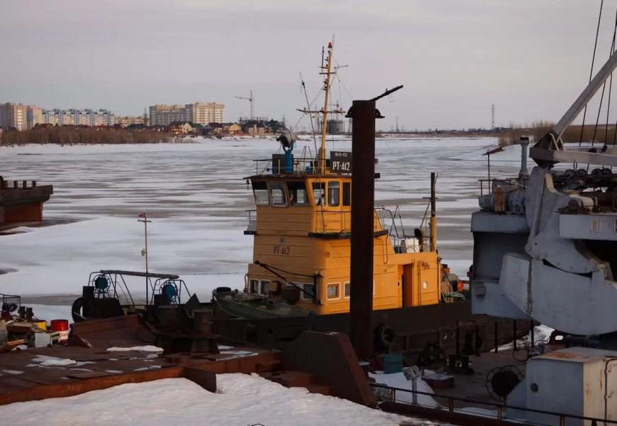 На реках Югры будут взрывать лед