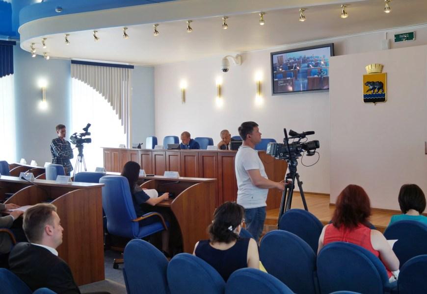 Коммунальщики Нефтеюганска просят парламентариев города и округа ужесточить наказание за несанкционированные свалки ТБО.