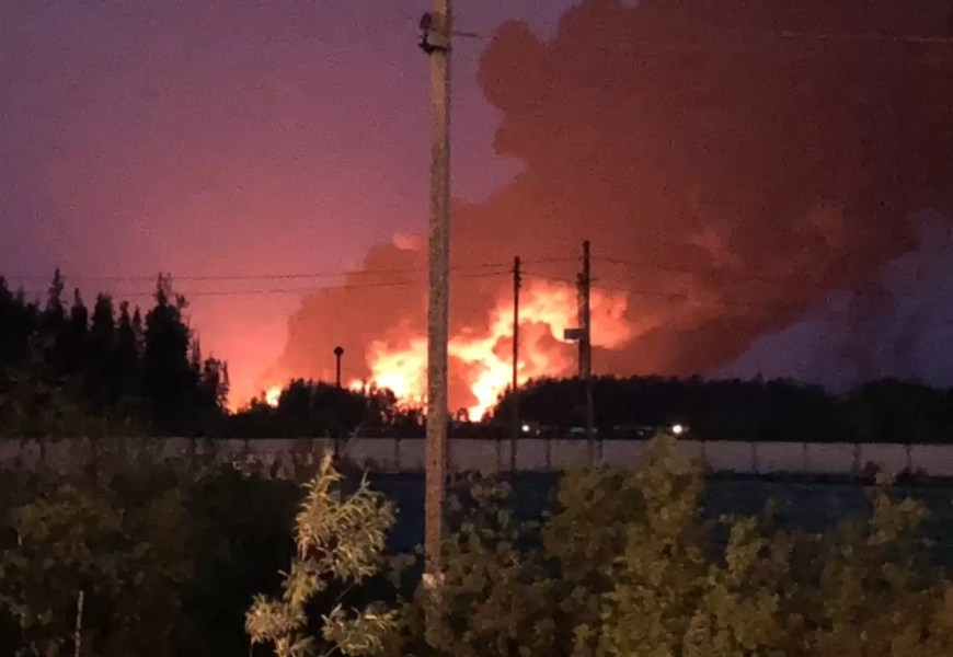 """Молния стала причиной пожара на месторождении """"Роснефти"""""""