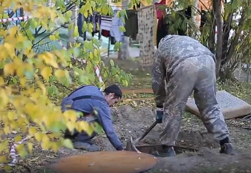 В Нефтеюганске СК проводит проверку по факту падения ребенка в коллектор