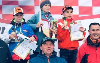 """Команда """"Юганск-Мастер"""" успешно выступила на окружном первенстве"""