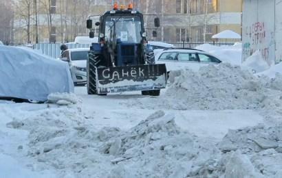 Куда пожаловаться нефтеюганцам, если дворы не чистят от снега