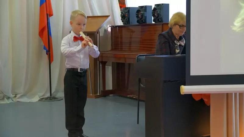 Учащиеся музыкальной школы им.Андреева провели концерт в «Центре социальной помощи семье».