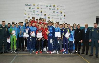 В Нефтеюганске прошли окружные соревнования по пожарно-спасательному «Рождественские старты»