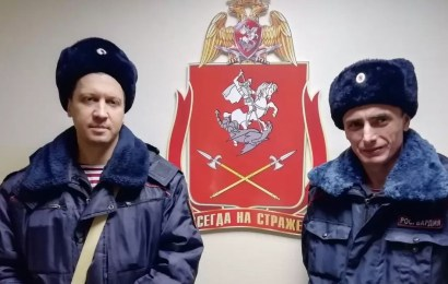 В Нефтеюганске росгвардейцы спасли стариков во время пожара