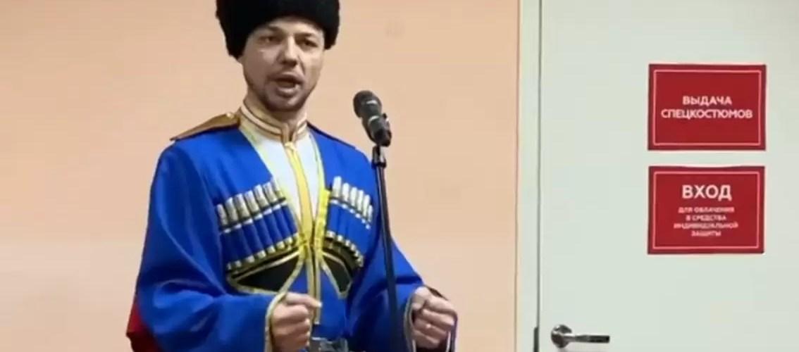 В Нефтеюганской окружной больнице состоялся концерт для сотрудников COVID-госпиталя