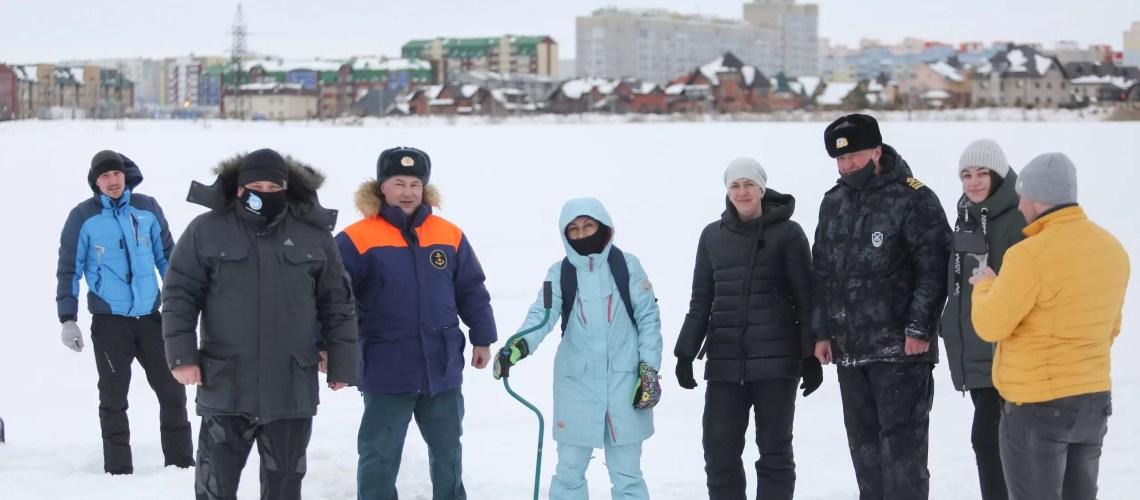"""Нефтеюганск присоединился у окружной акции """"Помоги рыбе""""."""