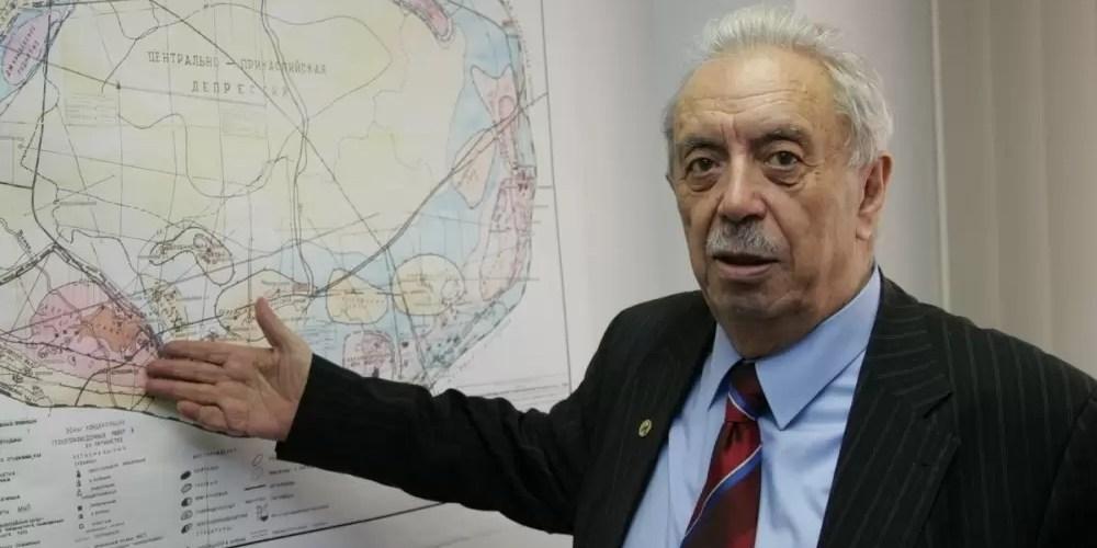 В Югре отметят 90-летие Фармана Салманова