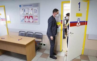 В Югре этим летом специалистов допустят до работы с детьми при наличии антител или прививки от ковида