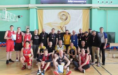 В МБУ ЦФКиС «Жемчужина Югры» завершился открытый чемпионат Нефтеюганска по баскетболу, среди мужских команд.