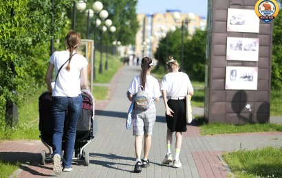 Югорским семьям выдадут по 10 тысяч рублей для подготовки к школе